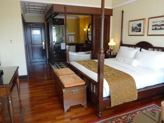 The Majestic Malacca: Room with ensuite doors  open