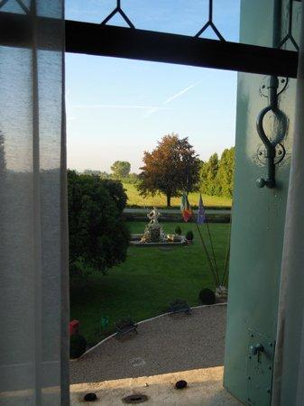Villa Tacchi: Zimmer 501 - Blick in den Garten (Südseite)