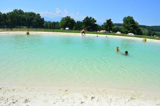 piscine naturelle lagon 500m photo de camping domaine de la besse camon tripadvisor. Black Bedroom Furniture Sets. Home Design Ideas