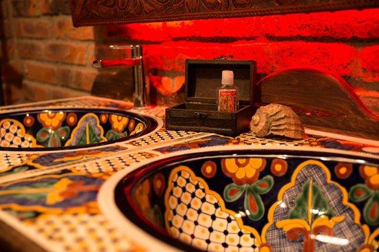 El Mosquito Bodega & Bar: Damas