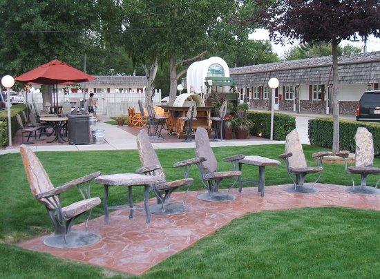 Best Western Pioneer : Chuck wagon area