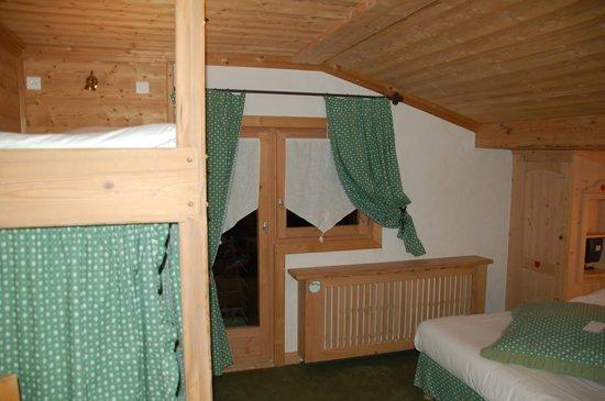 Hotel Neige et Roc : bedroom