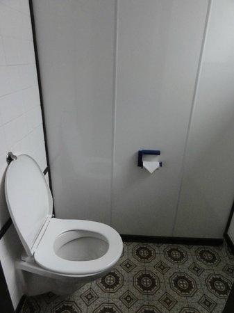 Hotel Carlton Mill: Washroom