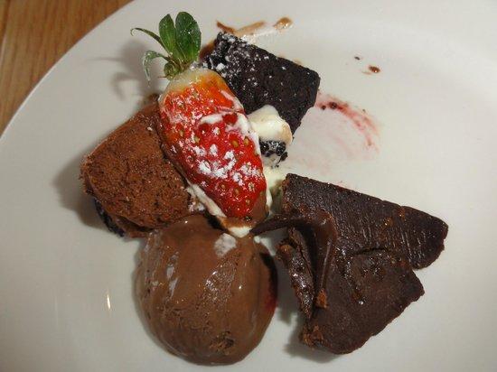 Hotel Carlton Mill: Strawberryfare #1 dessert