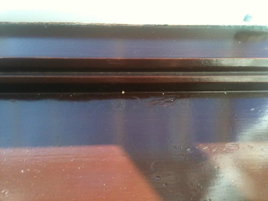 The Moorhill House Hotel: Dirt on the window sill