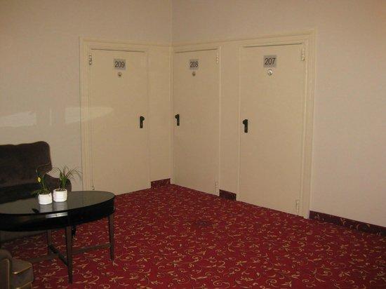 Hotel Pension Baron am Schottentor: Eingang zu den Zimmern