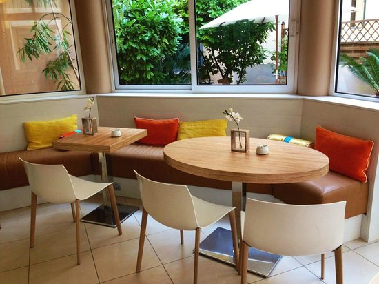 Citadines Cannes Carnot: breakfast Area
