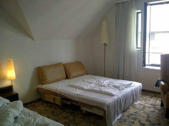ARCOTEL Camino: sofa bed