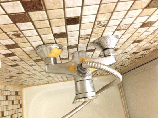Hotel Mack: Die Badausstattung ist komplett veraltet