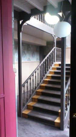 Hotel de Paris: Déco escalier