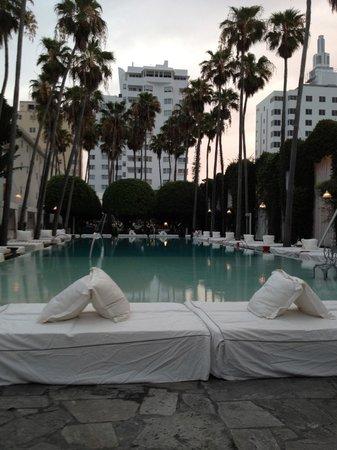 Delano South Beach Hotel: la piscine