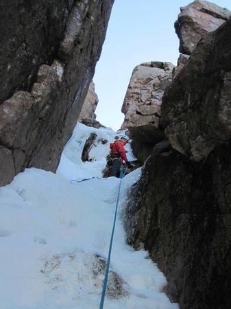 Stewart Mountain Skills: The Vent, Corie an Lochain