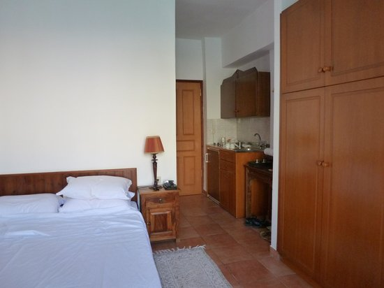 Guesthouse Laoula : Small but clean room with everything provided