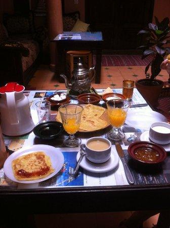 Dar Al Hamra: Le petit déjeuner