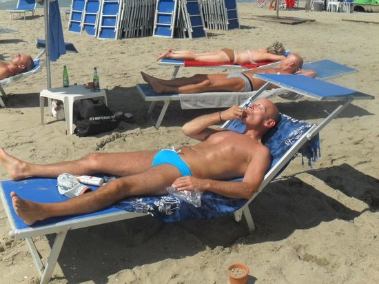 B&B  Le Villi : Ummm ¡qué bien se está en Mama beach