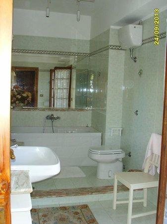 Villa La Castagnola: con vasca idromassaggio