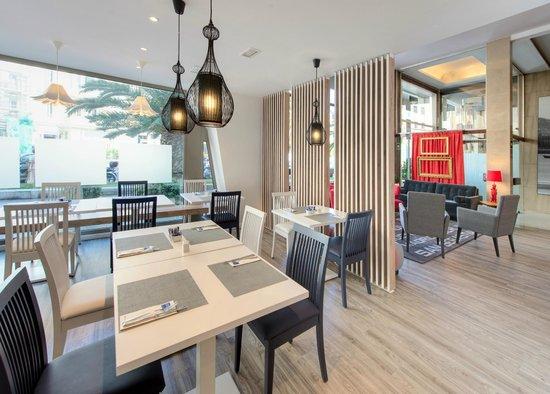 Tryp San Sebastian Orly Hotel: meeting point