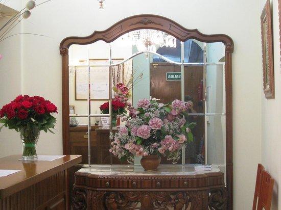 Hostal Salome: Hall d'accueil