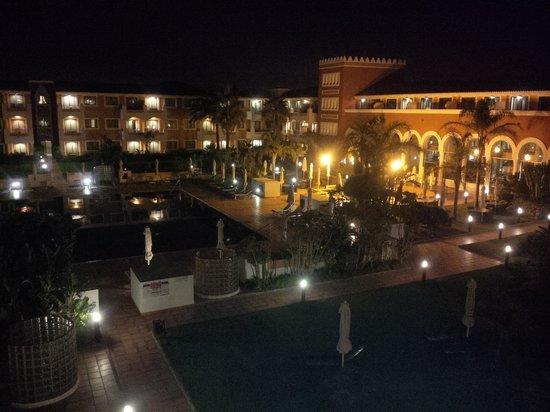 Melia Sancti Petri : Vista desde balcón lateral, zona piscina