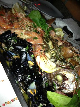 Chaplins: Seafood platter