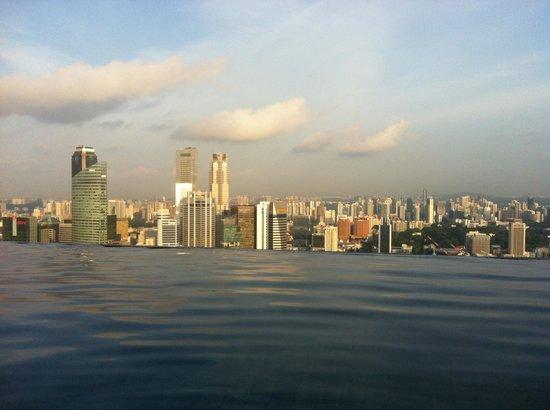 Marina Bay Sands: Infinity Pool