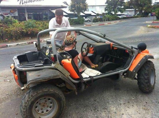 Buggy Fun Rentals : Racing buggy!