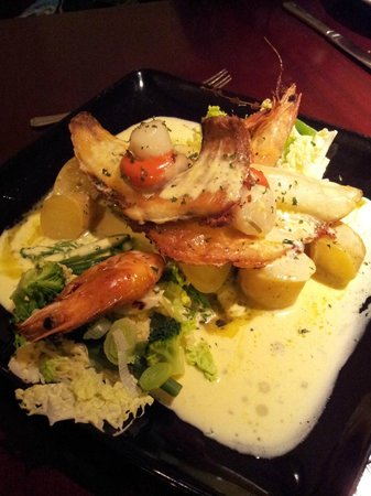 Brook House Inn and Restaurant: Seafood medley with crème Béarnaise