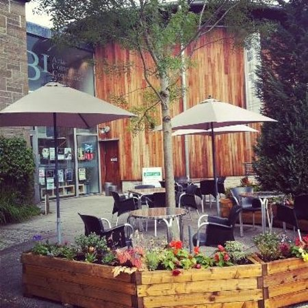 Birnam Arts and Conference Centre: Enjoy a coffee in the sunshine...