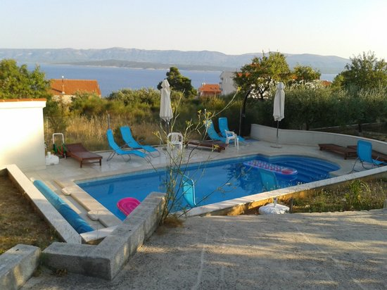 Bol Apartments Gospojica: Pool and view from pool