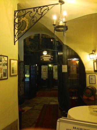 Griechenbeisl Inn: entrada