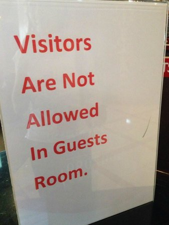 Seven Sands Hotel Apartments : No visitors allowed at this hotel.