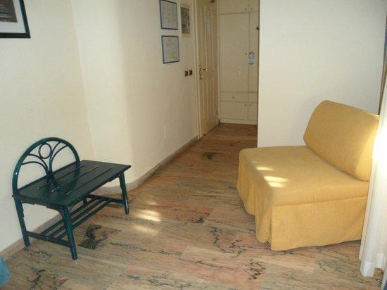 Villa Gaia Hotel : Divanetto in camera