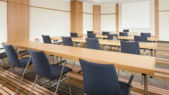 Four Points by Sheraton München Central: Meeting Room