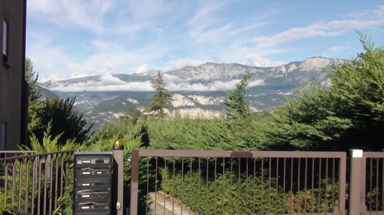 Camere Ester: The View