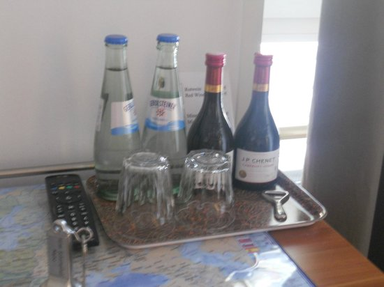 Hotel Schottenhof : Nice to have a selection available in room.