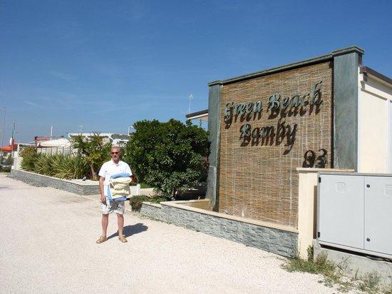 Hotel Bamby : ingresso alla spiaggia