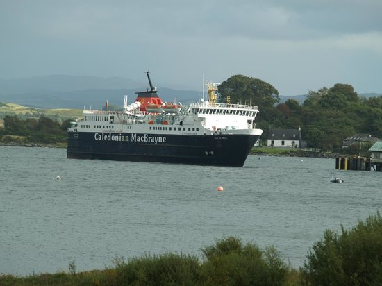Isle of Mull Hotel & Spa : Oban to Craignure Ferry arriving taken from room window
