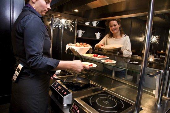 Hotel & Spa Savarin: Live Cooking