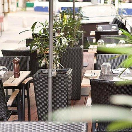 Cafe des Banques : Our terrace