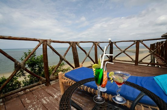 Zanzibar Ocean View: Enjoy your drink with breath taking views of Indian Ocean