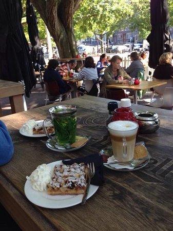 Brasserie NeL: A beautiful afternoon tea