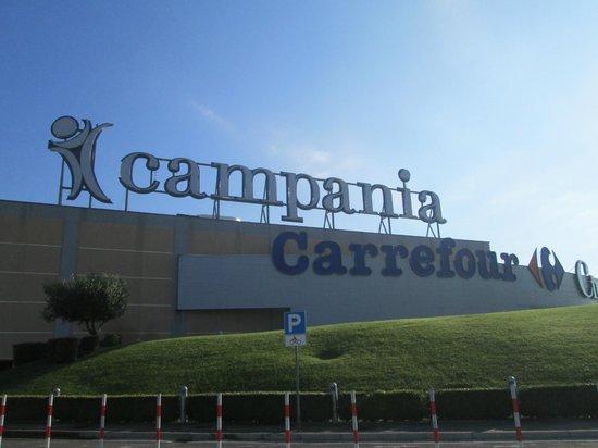Centro Commerciale Campania- Ipermercato Carrefour - Foto di ...