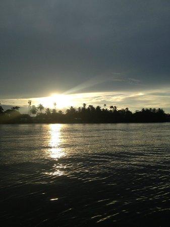Pachira Lodge: Sunrise from the resort