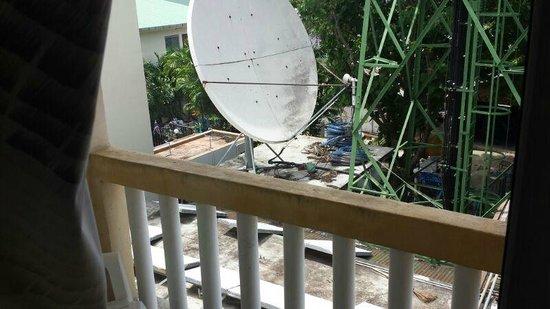 PP Insula : Satellite Dish