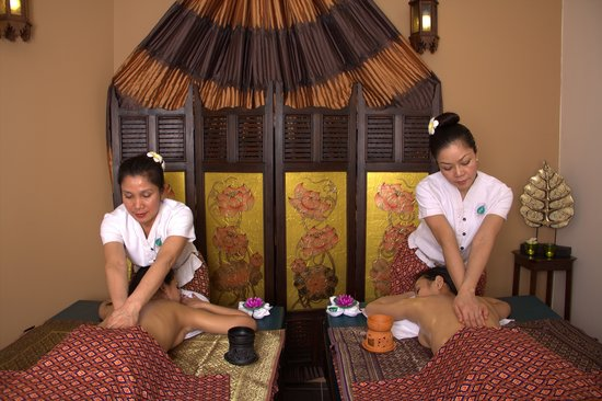 Ayada Spa: Massage duo aux huiles chaudes