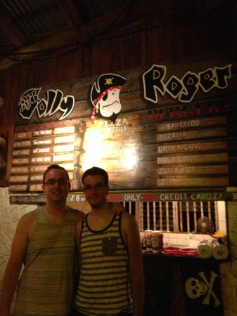 Bar Jolly Roger Dominical : The menu and some very happy patrons!