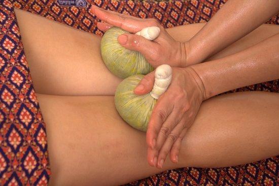 Ayada Spa: Massage aux plantes