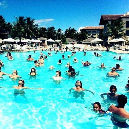 Sauipe Resorts: atividade na piscina