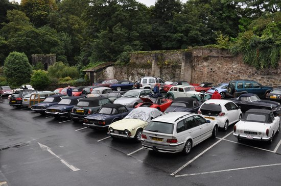 The Bedford Hotel: Hotel car park