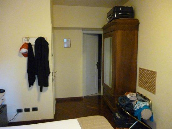 Locanda de' Ciompi: chambre assez spacieuse